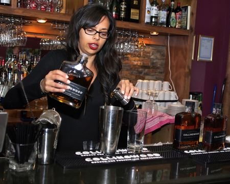 collingwood whiskeylicious launches with magic at the bar